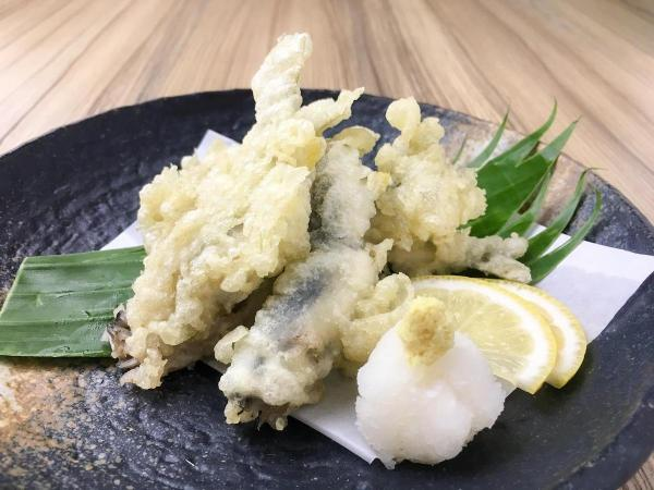 Chi ayu tempura is a delectable dish of young fish - Kitsho Yukata Challenge