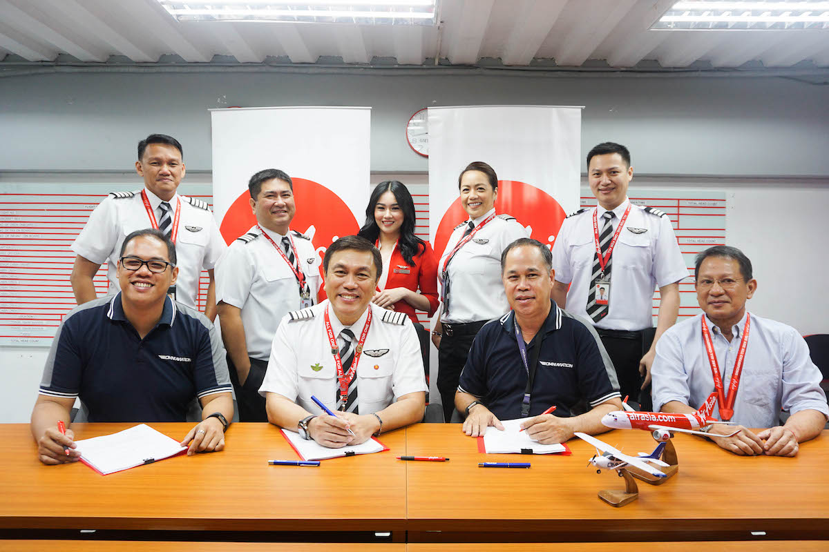 Want to be a cadet pilot? AirAsia Launches Cadet Pilot Program - Out