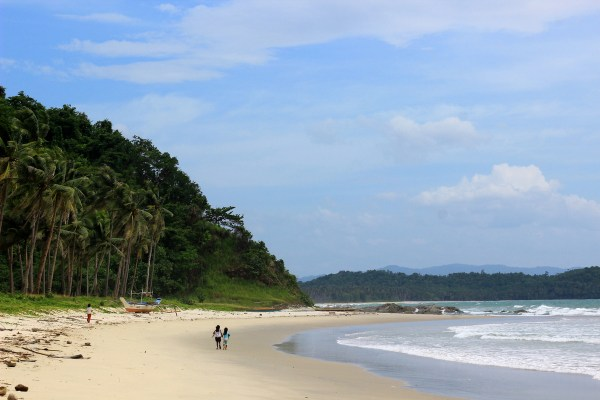 Bokbok Beach San Vicente by Jimanggro via Wikipedia CC