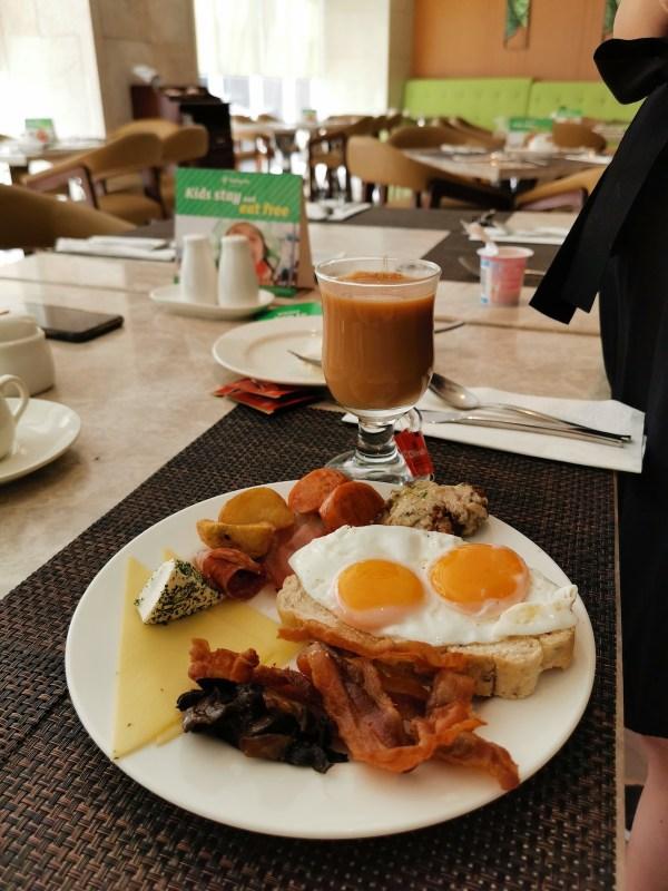 Breakfast at Holiday Inn Baguio