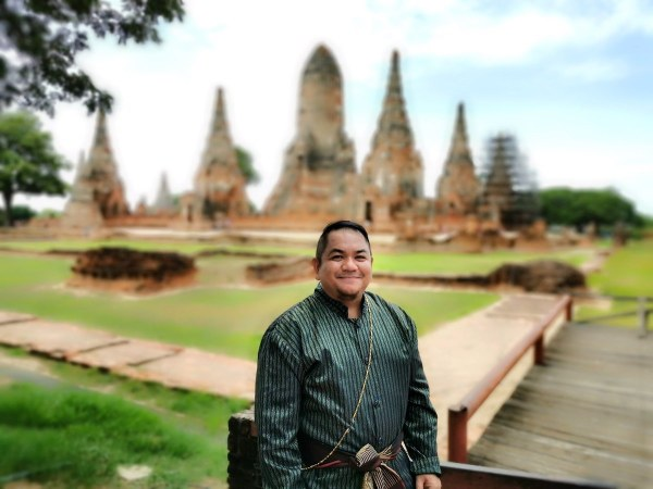 Melo Villareal wearing traditional Thai Costume
