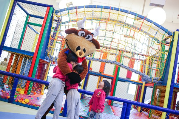 Play time at Shangri-La The Fort's Adventure Zone is included when you book the Family Fun package online