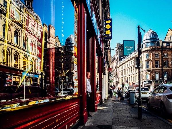 Early Morning in Glasgow photo by Zach Rowlandson via Unsplash