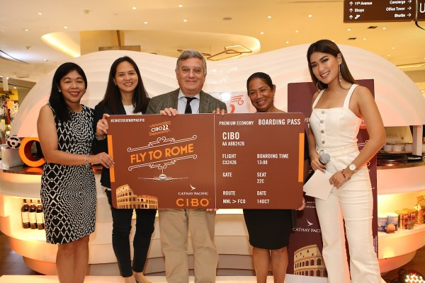 [L-R] Cathay Pacific's Anna Maria Lee and Chinkee Bayaborda with Ambassador of Italy Giorgio Guglielmino, chef Margarita Fores, Janeena Chan