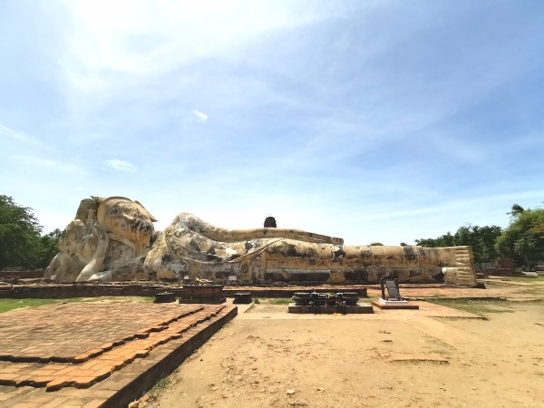 Reclining Buddha at Wat Lokaya Sutha