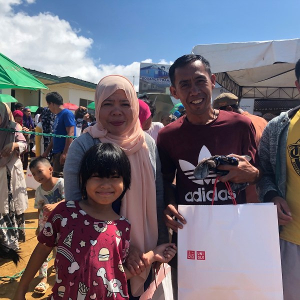 UNHCR and UNIQLO return to Marawi for World Humanitarian Day