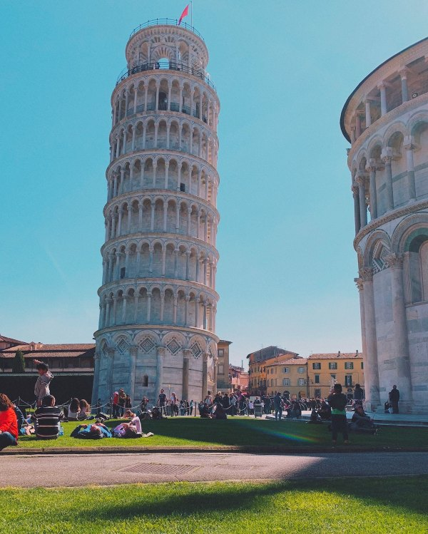Leaning Tower of Pisa by Robert Anitei via Unsplash