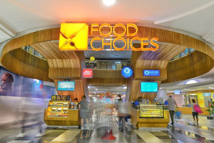 Located at the 3rd level of Glorietta, Food Choices boasts of an exciting dining experience in a cozy setting with warm wood details, chic chairs and tables mixed-and-matched with a range of textures and finishes, all following a subtle monochromatic palette brightened up by neon-lit signages. The versatility of the space invites one to linger longer over a delicious meal, or maybe coffee and dessert. It is the ideal hangout spot that levels up from the usual food court ambience with quality choices at accessible price points for the Makati foodies.