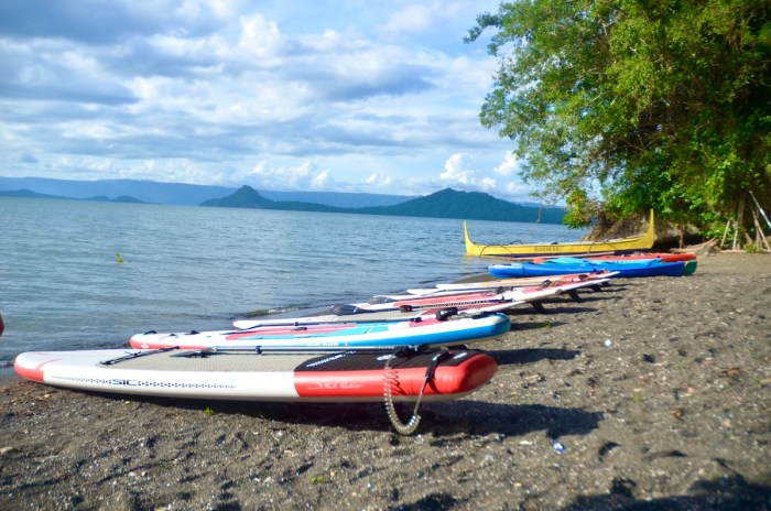 Among the many activities offered at Lakepoint Manakah is Stand Up paddle boarding and kayaking