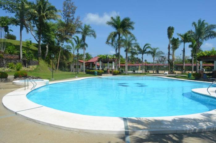 Graceland Estate y Country Club en Tayabas Quezon
