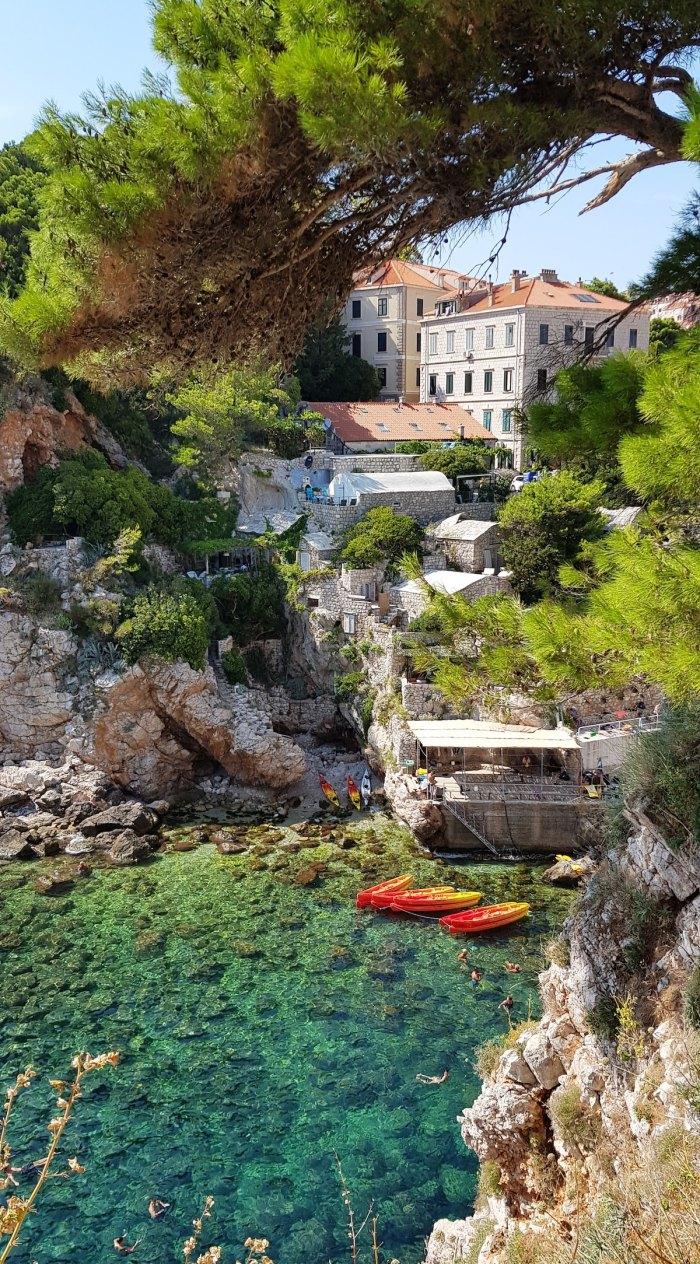 Kolorina beach in Dubrovnik, Dubrovnik, Croatia by @catbassano via Unsplash