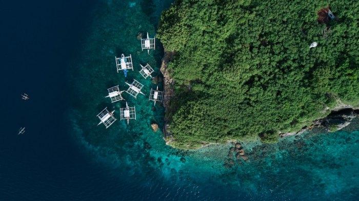 The Philippines is the World Travel Awards 2019's Leading Dive Destination photo by @kensuarez via Unsplash