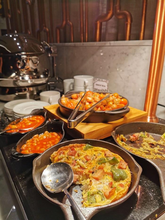 Buffet Breakfast at Citadines Cebu