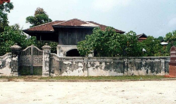 Kota Lama Duyong photo by Tun Teja via Wikipedia CC