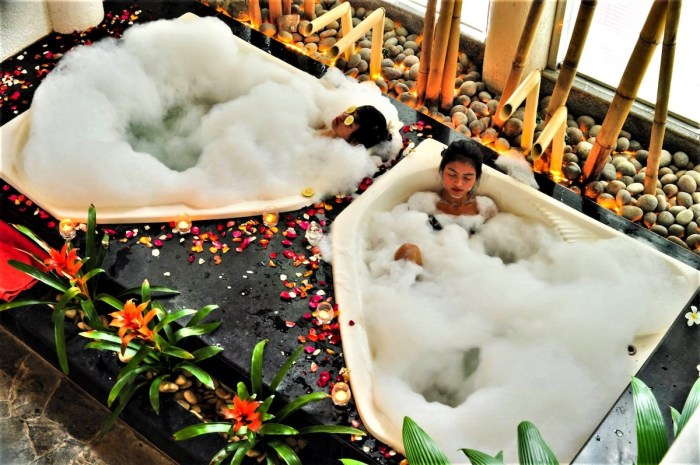 Callospa Resort couple's massage