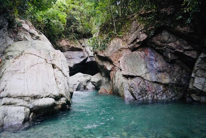 Entrance to Cawa Cawa Falls