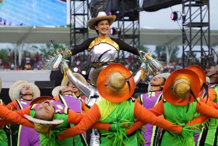 Street Dance Performers at Bambanti Festival
