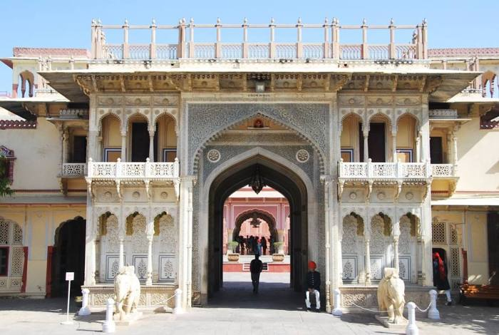 the intricate gate of the City Palace