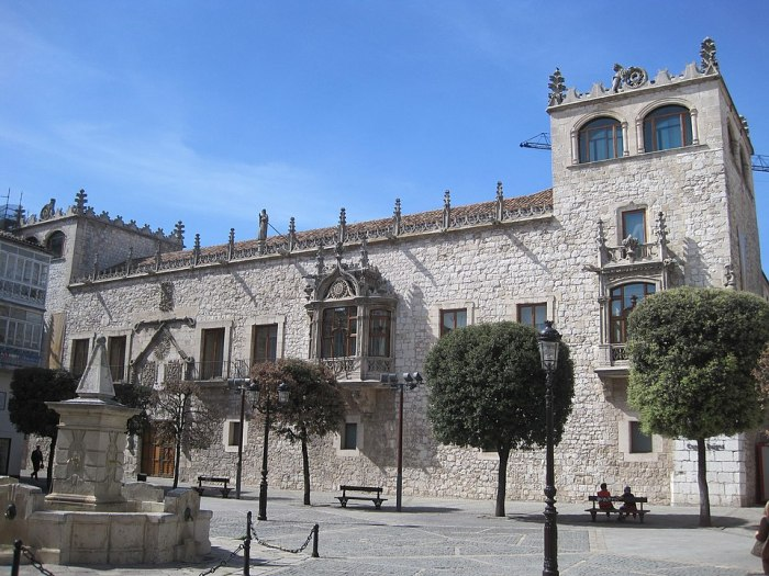 Casa del Carden in Burgos Spain by Wikipedia
