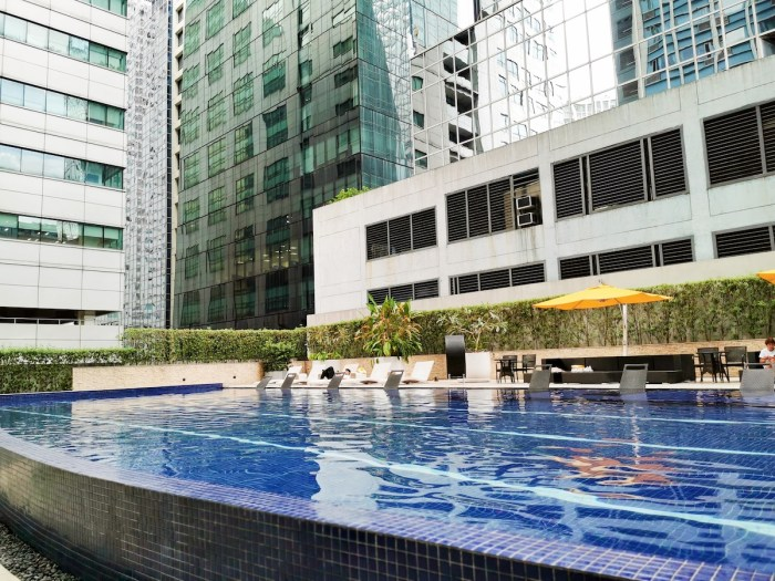 Home.fit Mini-Suites-Eton-Tower-Swimming-Pool Hotel Review: The Mini Suites Eton Tower in Makati City