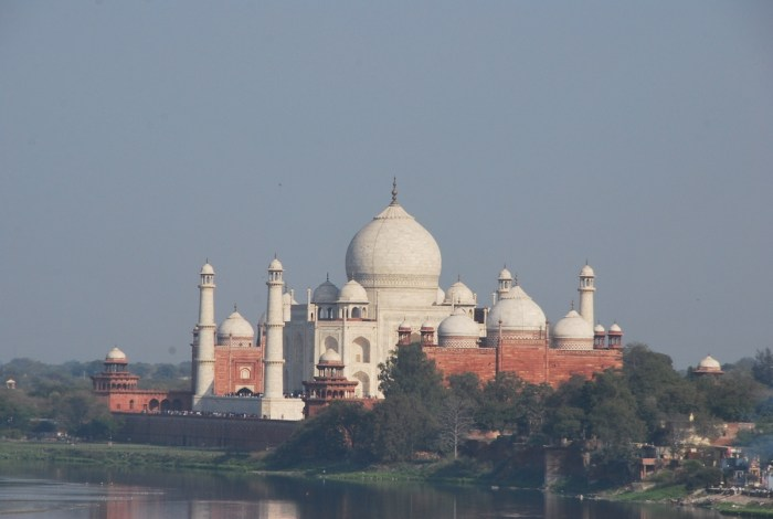 Home.fit View-of-Taj-Mahal-from-across-the-river Travel Guide to Taj Mahal in Agra, India