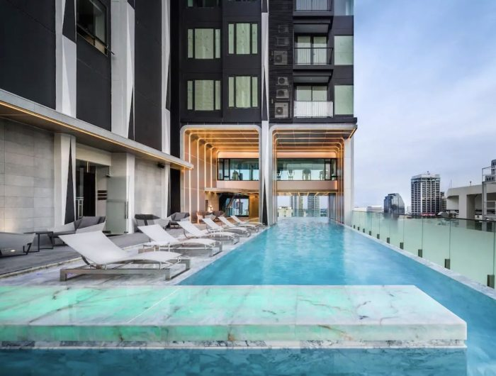 High end Bangkok Airbnb with Swimming Pool