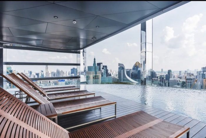 Rooftop Airbnb in Bangkok with Infinity Sky Pool