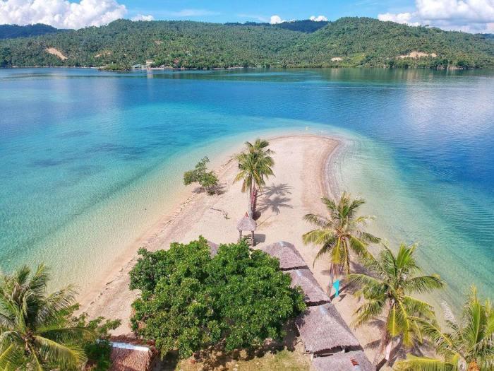 Guinanayan Island photo by Mariane Tagaca