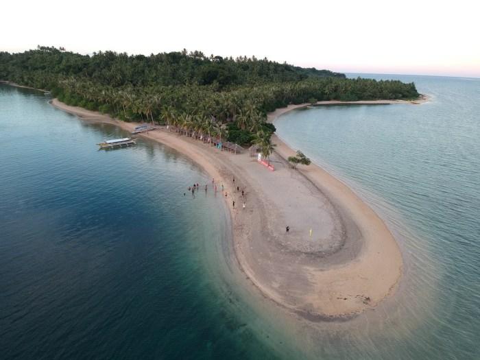 Sandbar in Guinanayan Island Albay photo by Mariane Tagaca