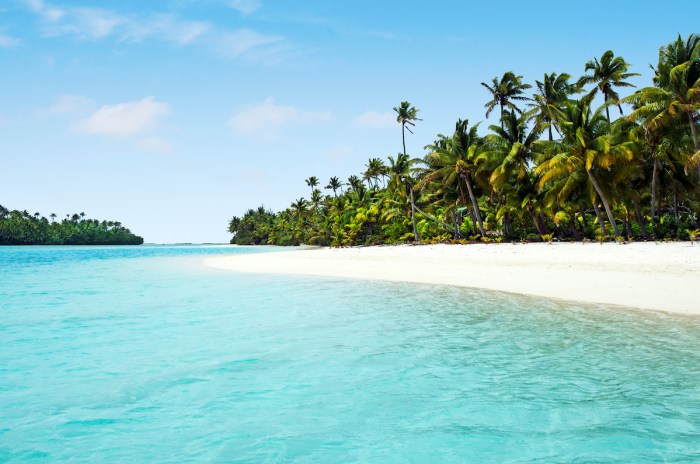 Home.fit Aitutaki-Lagoon-Cook-Islands-photo-via-Depositphotos 15 Best Tropical Vacation Destinations Around The World