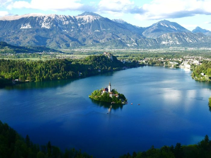 Home.fit Church-in-Lake-Bled-photo-by-Jaka-Skrlep-via-Unsplash Bled Bucket List: Top 15 Best Things to Do in Bled, Slovenia