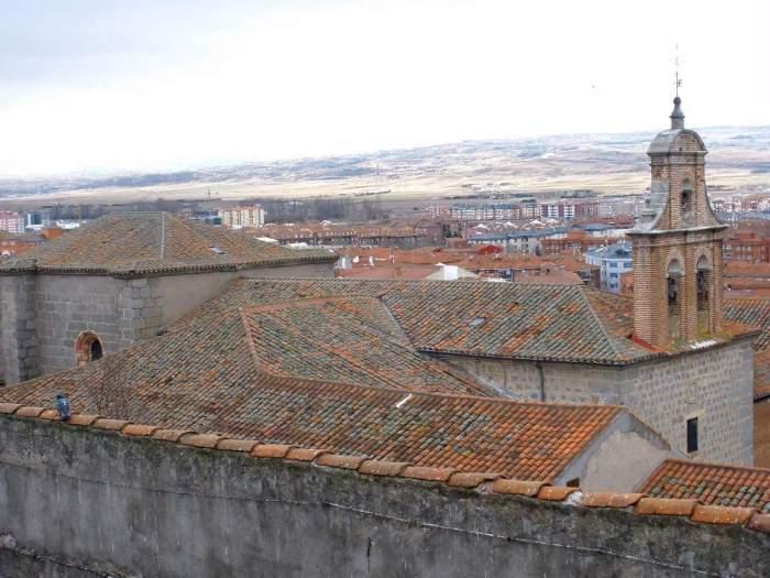 Home.fit Convento-de-Nuestra-Senora-de-Gracia-by-Zarateman-via-Wikipedia-CC Avila Bucket List: Top 15 Best Things to Do in Avila, Spain