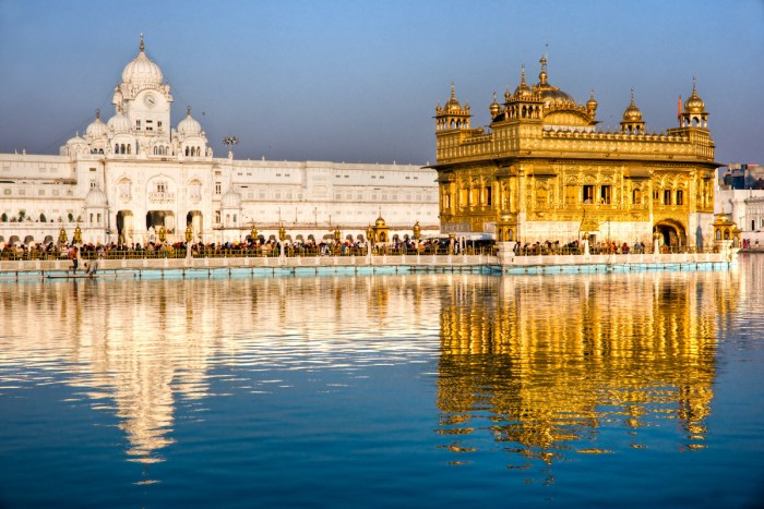 Golden Temple, Harmandir Sahib in Amritsar, Punjab, India via DepositPhotos