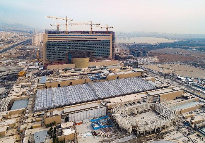 Iran Mall by Diba Tensile Architecture via Wikipedia CC