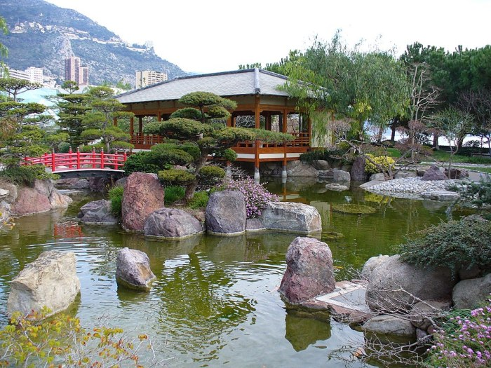The Japanese Garden for the Parasite in Monaco via Wikipedia CC