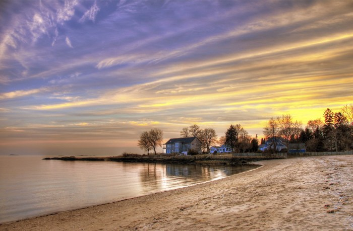 Sunset in Jacob's Beach in Guilford CT by Slack12 via Flickr CC