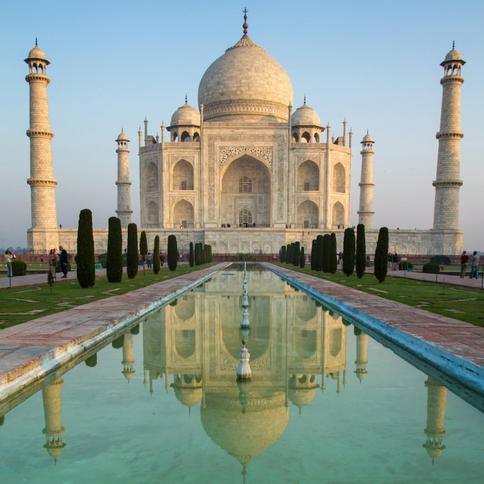 Home.fit Taj-Mahal-Mausoleum-in-India-photo-via-DepositPhotos Agra Bucket List: Top 15 Best Things to Do in Agra, India