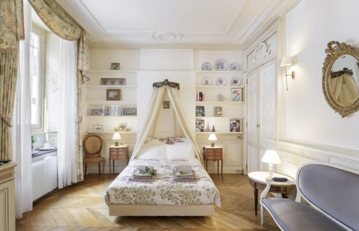 This little apartment is an absolutely fantastic place to stay in Paris
