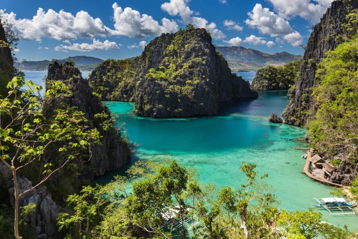 Fall in love again with the clear blue waters of Coron