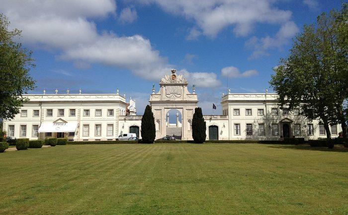 Seteais Palace Tivoli Palacio de Seteais Hotel by Gryffindor via Wikipedia CC