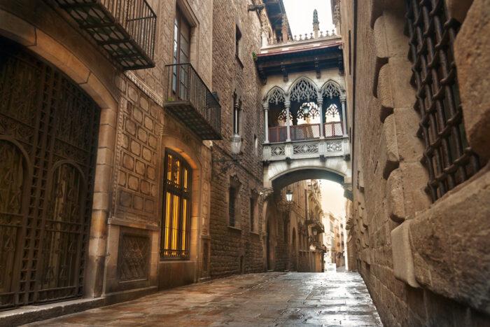 Barcelona Gothic quarter, Carrer del Bisbe photo via Depositphotos