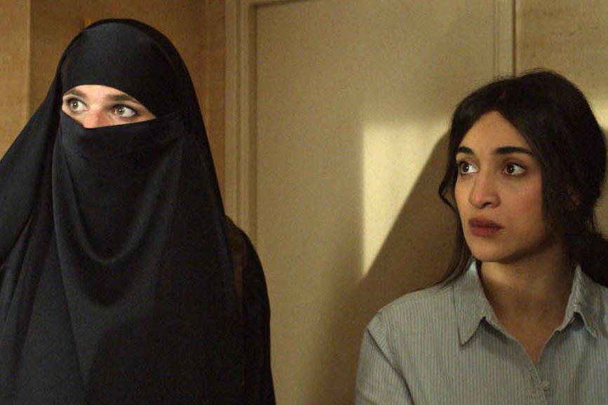 due sotto il burqa-outoutmagazine2.jpg