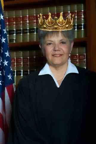 anna-brown-judge-clr-w-crown