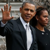 Michelle Walks Out As Obama Divorce Battle Explodes !