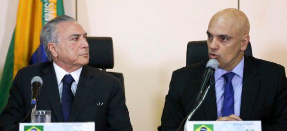 Brasília - O Presidente interino, Michel Temer, e o ministro da Justiça, Alexandre de Moraes, participam de reunião com os secretários de Segurança Pública de todos os Estados, no Ministério da Justiça. (Marcelo Camargo/Agência Brasil)