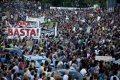 """Sociólogo vê hesitação dos socialistas e disseca opção dos dogmáticos, nas eleições portuguesas de domingo. Mas sugere: """"transformações maiores virão; enquanto isso, votem à esquerda""""..."""