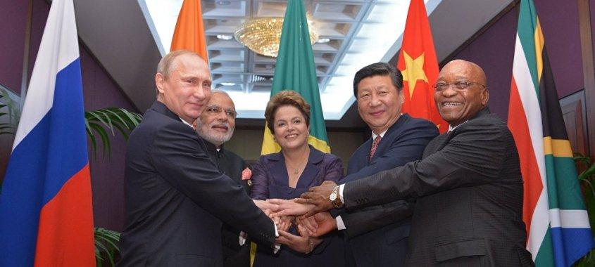 EUA e UE trabalham contra os BRICS, denuncia chancelaria da Rússia