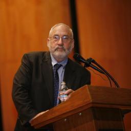 Joseph Stiglitz diz que desigualdade é estimulada por juros baixos nos EUA