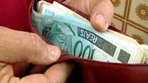 Com aumento real de 76% na última década, país comemora 75 anos do salário mínimo