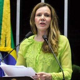 Vanessa Grazziotin (PCdoB-AM) quer proteção de parlamentares contra grupos fascistas